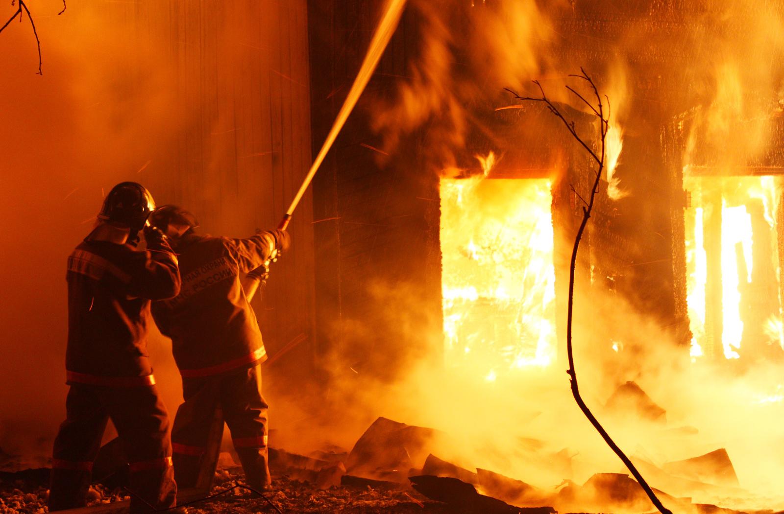 Խոշոր հրդեհ Երեւանում. փրկարարները շենքից տարահանել են 80 բնակչի