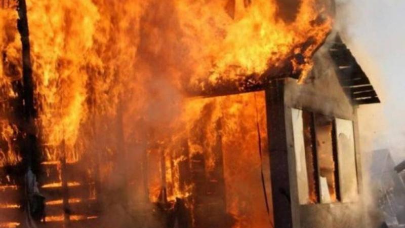 Ձորաղբյուր գյուղում այրվել են տան տանիքի կառուցատարրերը
