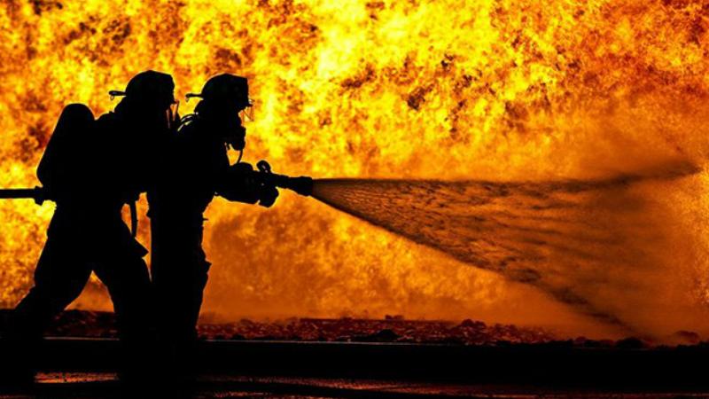 Հրդեհ Իսահակյան փողոցում. այրվել են տաղավարներ ու ծառեր