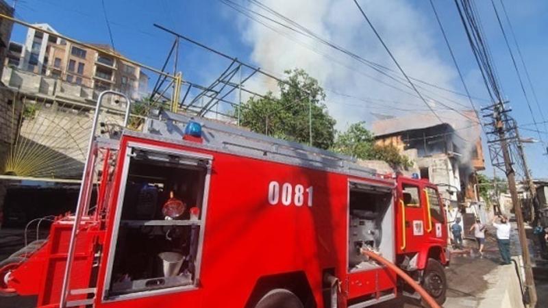 Անտառային փողոցում բռնկված հրդեհը մարվել է. տուժածներ չկան (լուսանկարներ)
