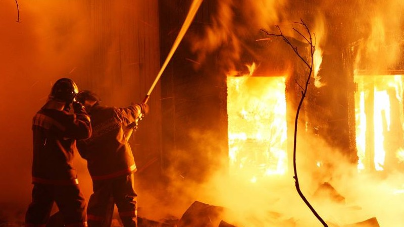 Հրդեհ է բռնկվել Չերկասի փողոցի թիվ 5 շենքի բակում գտնվող խորդանոցում