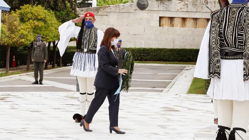 Ցեղասպանություն, որը ջախջախեց ծաղկող քրիստոնեական սիրտը․ Հունաստանի նախագահը ծաղկեպսակ է դրել `ի հիշատակ Հայոց ցեղասպանության զոհերի
