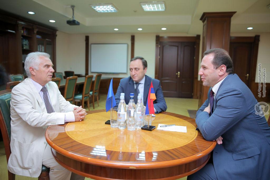 Դավիթ Տոնոյանն ընդունել է Հայաստանում ԵՄ գրասենյակի ղեկավարին