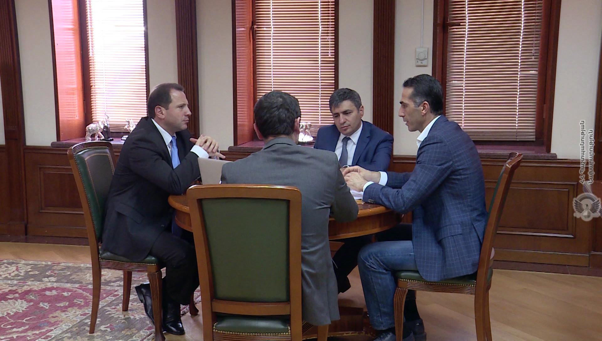 Դավիթ Տոնոյանն ընդունել է Հայաստանի գիտության և տեխնոլոգիաների հիմնադրամի գործադիր տնօրենին