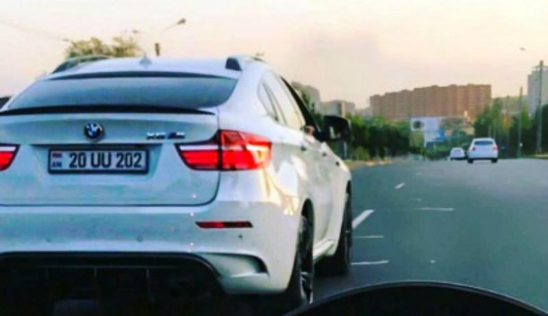 Երևանում հետաքննություն է սկսվել ԱԺ նախկին պատգամավորի 27-ամյա տղայի BMW X6-ի վառվելու փաստով. մեքենան վերածվել է մոխրակույտի
