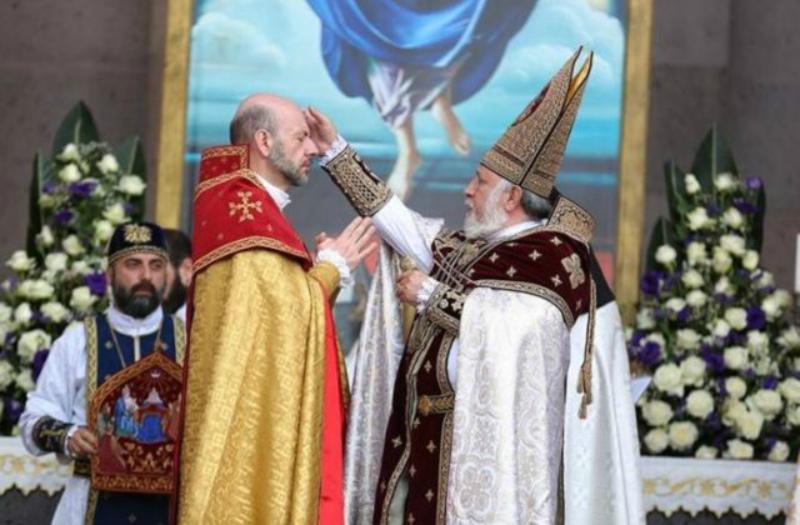 Մայր Աթոռ Սուրբ Էջմիածնում Գարեգին Բ կաթողիկոսի ձեռամբ եպիսկոպոսներ են ձեռնադրվել