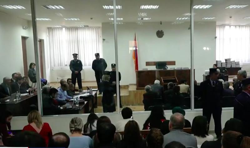 «Այ ադրբեջանցի վաստակներ ... հանեք դրանց». միջադեպ Քոչարյանի և մյուսների գործով դատական նիստին (տեսանյութ)