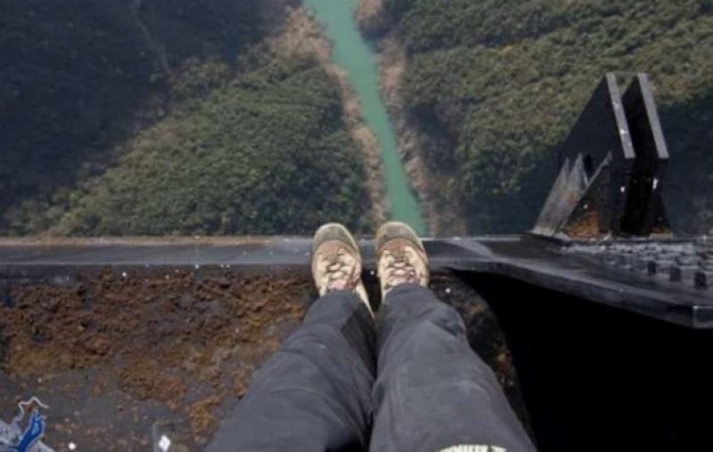 Քաղաքացին փորձում է ինքնասպանություն գործել Նոր Հաճնի կամրջից