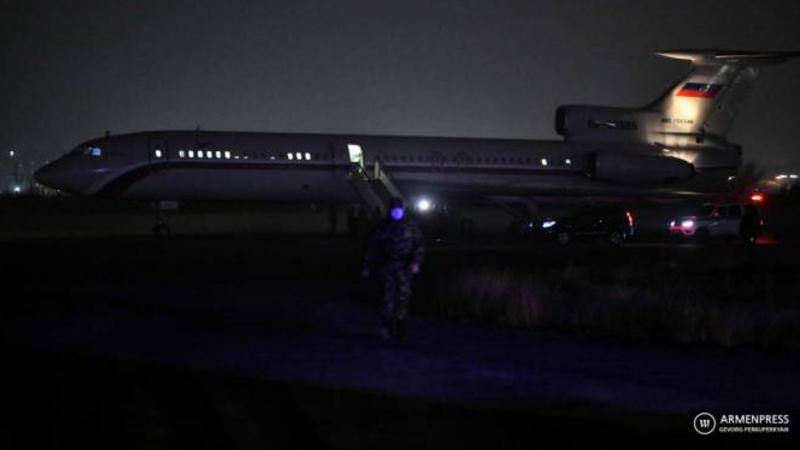 5 գերիներին հայրենիք բերող ինքնաթիռը վայրէջք է կատարել «Էրեբունի» օդանավակայանում