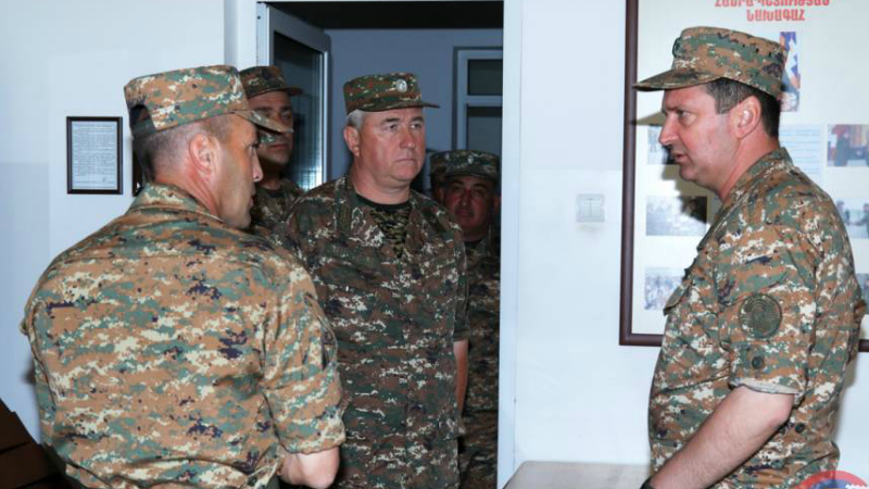 Ջալալ Հարությունյանն այցելել է ՊԲ կենտրոնական ենթակայությամբ գործող զորամասերից մեկը․ ՊԲ հրամանատարը ծանոթացել է զորամասի կենցաղ-սպասարկման պայմաններին