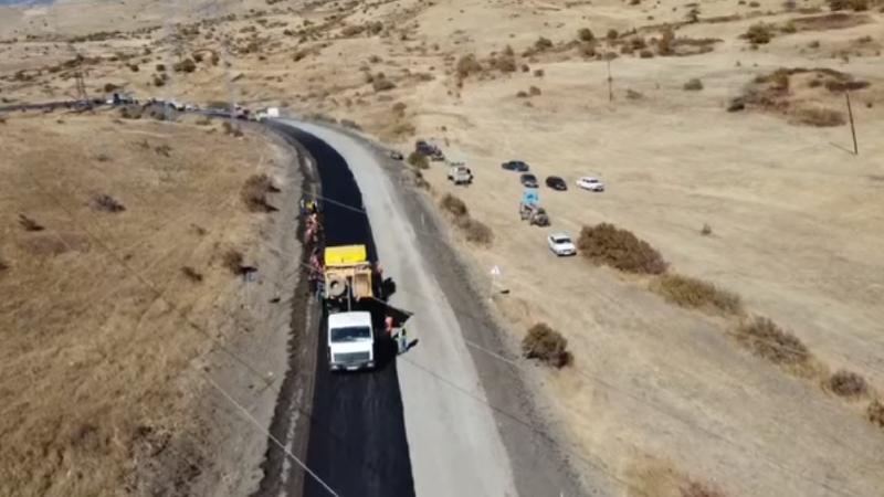 Հիմնանորոգման աշխատանքներ են տարվում Երևան-Երասխ-Գորիս-Մեղրի-Իրանի սահման միջպետական ճանապարհի մի քանի հատվածներում (տեսանյութ)