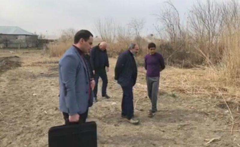 Նիկոլ Փաշինյանը շփվել է գյուղացիների հետ