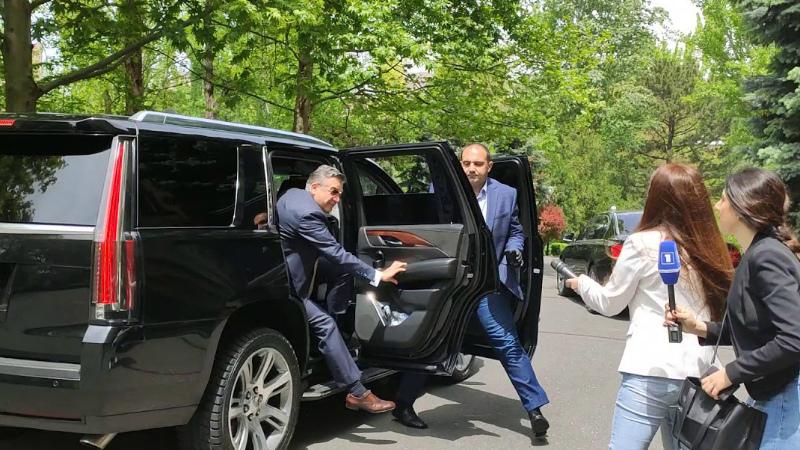 Կարեն Կարապետյանը ժամանեց ԱԺ