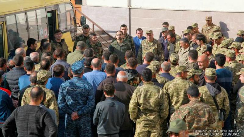 Զինկոմիսարիատները եռում են. ինչպես են արձագանքել վարչապետի կոչին. «Ժամանակ»