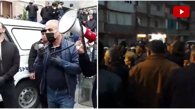 Բռնության ենթարկված քաղաքացու համար պատժվողներ լինելու են․ Հունան Պողոսյանը ժամանել է բողոքի ակցիայի մասնակիցների մոտ