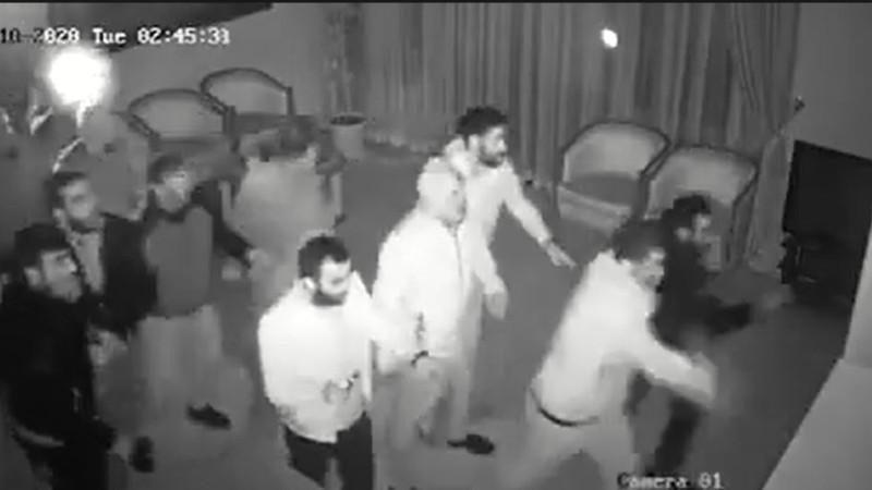 Կառավարության շենքի վրա հարձակում գործած «հայրենասերները». տեսանյութը՝ վարչապետի խոսնակի էջից