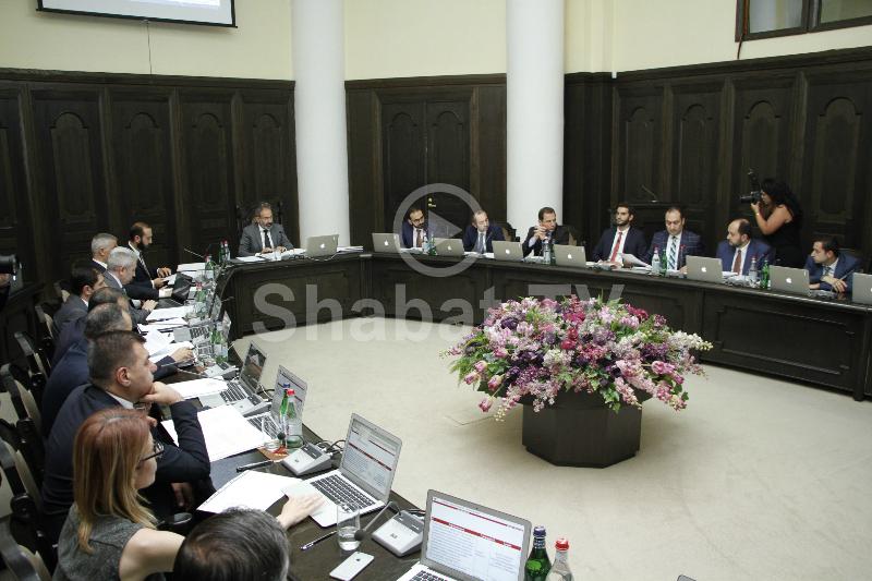 Կառավարության արտահերթ նիստը՝ ուղիղ