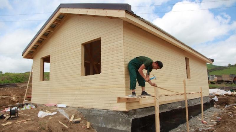 Արցախի Կարմիր Շուկա համայնքում փայտե առանձնատներ են կառուցվում