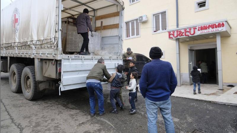 ԿԽՄԿ-ն անօթևան դարձած և Ստեփանակերտում ապաստանած 741 անձի սննդի ծանրոց ու հիգիենայի պարագաներ է տրամադրել