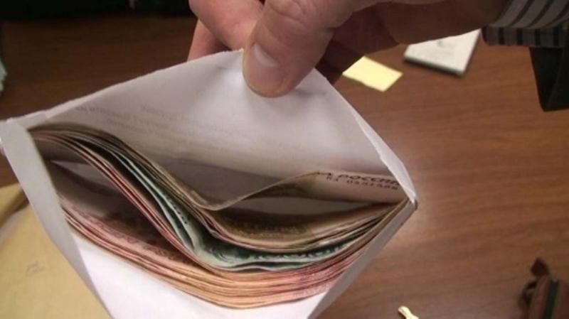 Կապանում ճոխ աշխատավարձեր են սահմանել. «Հրապարակ»