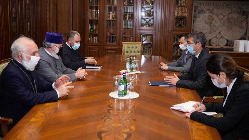Կաթողիկոսն ընդունել է ՀՀ-ում Ղազախստանի նորանշանակ դեսպանին