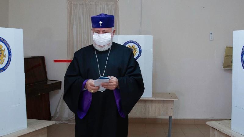 Ամենայն Հայոց Կաթողիկոսը քվեարկեց
