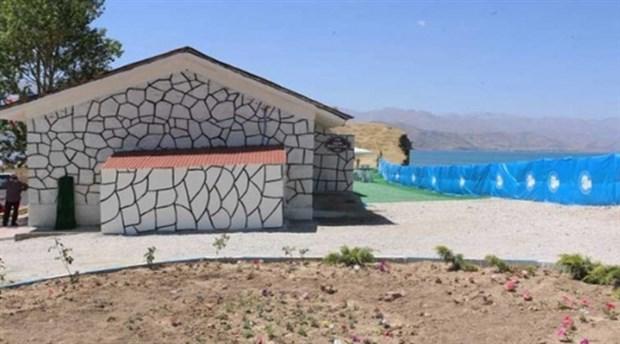 Վանում հրաժարվում են ապամոնտաժել հայկական գերեզմանոցի վրա կառուցված զուգարանները