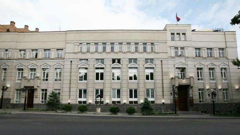 Բանկերը, որոնք սպառողական վարկեր են տրամադրում ԱՄՆ դոլարով և Եվրոյով, օրենդրական բացի ներքո են աշխատում. ահազանգ Կենտրոնական բանկին