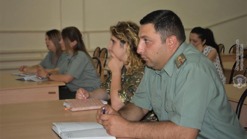 4-րդ զորամիավորման ենթակա զորամասերի անձնակազմի հետ անցկացվել է հավաք-խորհրդակցություն