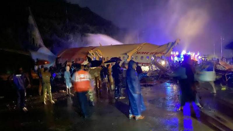 Հնդկաստանում ինքնաթիռը դուրս է եկել թռիչքուղուց և մասերի բաժանվել․ կա 3 զոհ և 50 վիրավոր
