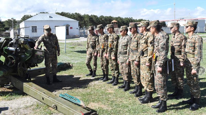 2-րդ զորամիավորման հրետանային ստորաբաժանումների զինծառայողների հետ անցկացվել են գործնական պարապմունքներ