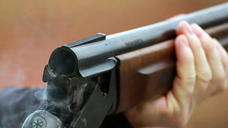 Արտաշատում տեղի ունեցած վիճաբանության և ծեծկռտուքի ընթացքում 33-ամյա երիտասարդը որսորդական հրացանով կրակել է համաքաղաքացու ազդրին