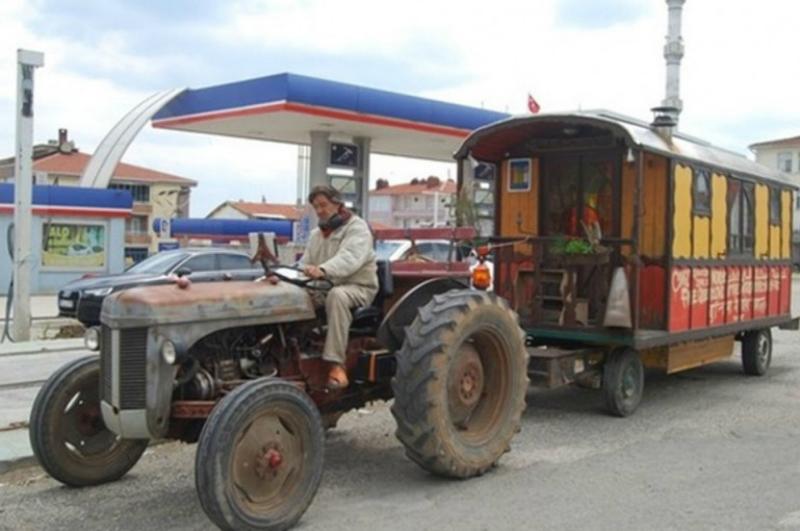 Ֆրանսիացի ճանապարհորդը տրակտորով Թուրքիա է հասել