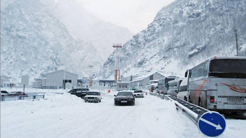 Ստեփանծմինդա-Լարս ավտոճանապարհի ռուսական հատվածում կուտակված է 730 բեռնատար ավտոմեքենա. ԱԻՆ