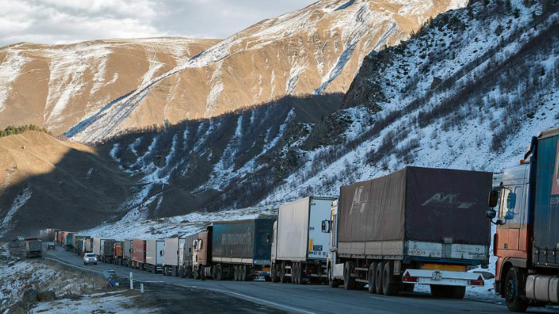 Ստեփանծմինդա-Լարս ավտոճանապարհի ռուսական կողմում կա մոտ 400 կուտակված բեռնատար ավտոմեքենա
