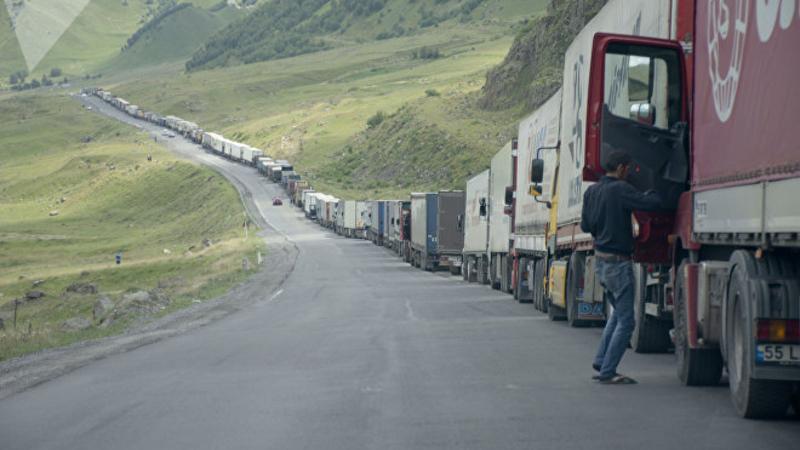 Ստեփանծմինդա-Լարս ավտոճանապարհը բաց է, ռուսական կողմում կուտակված է մոտ 400 բեռնատար