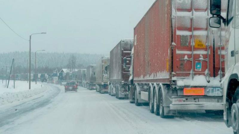 Լարսը փակ է․ ռուսական կողմում 450 բեռնատար ավտոմեքենա է կուտակվել