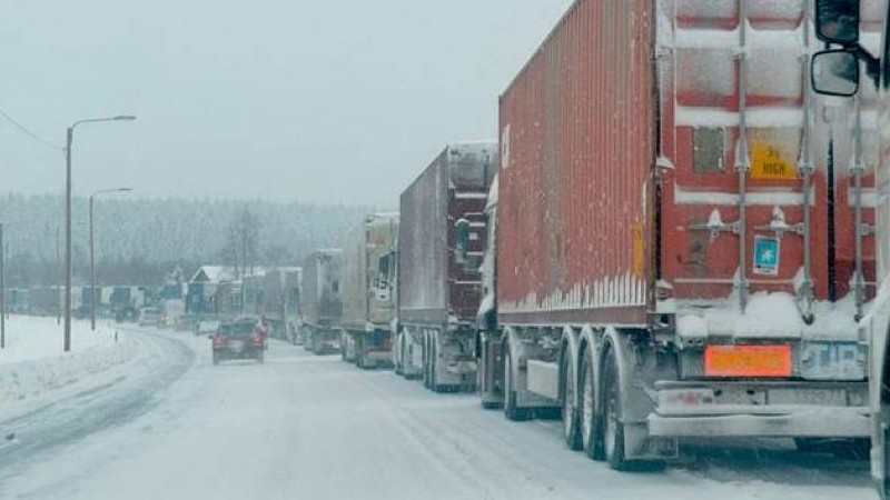 Լարսի ճանապարհը նորից փակ է բեռնատարների համար. ռուսական կողմում 430 բեռնատար կա կուտակված