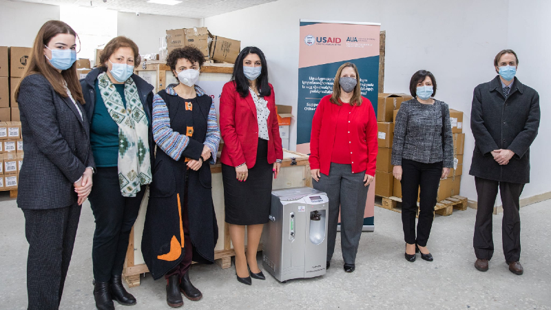 Լենա Նանուշյանը և Հայաստանում ԱՄՆ դեսպանն այցելել են «Դեղերի և բժշկական պարագաների ապահովման ազգային կենտրոն» (լուսանկարներ)