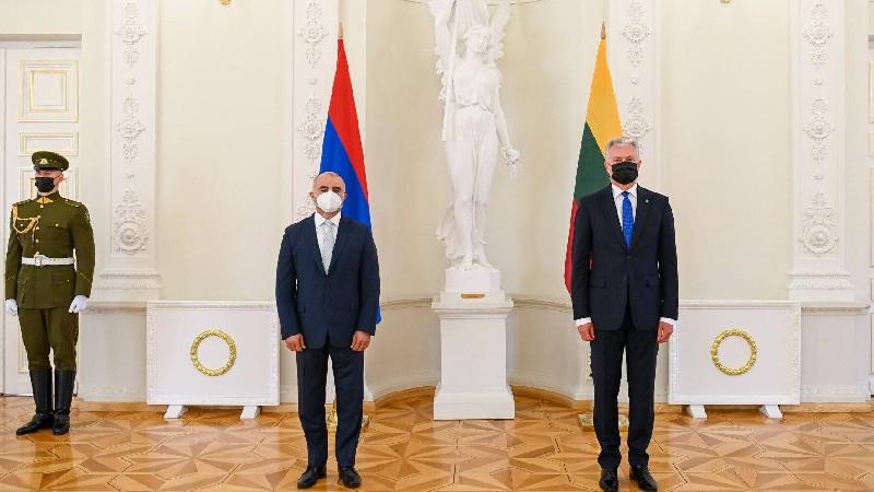 Դեսպան Մարտիրոսյանն իր հավատարմագրերը հանձնեց Լիտվայի նախագահին. ԱԳՆ