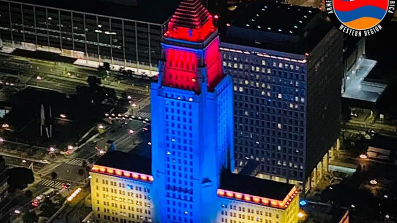 Լոս Անջելեսի քաղաքապետարանի շենքը լուսավորվել է ՀՀ դրոշի գույներով