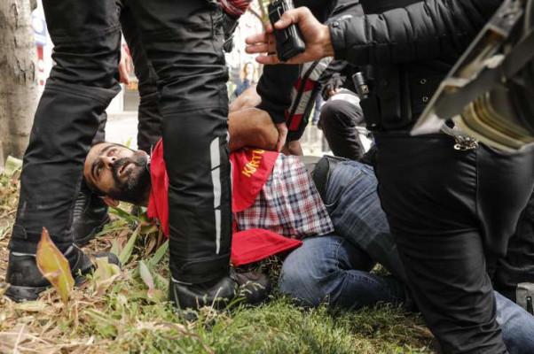 Ստամբուլում ձերբակալվել է մայիսի 1-ի միջոցառմանը մասնակցող 15 ակտիվիստ