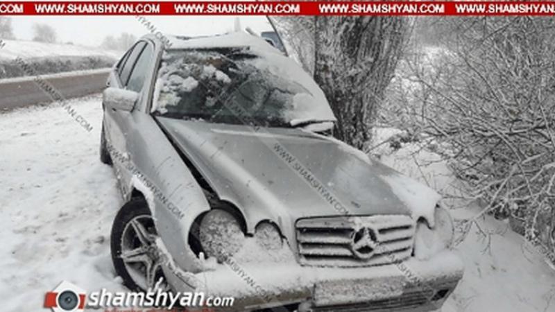 Կոտայքի մարզում 45-ամյա վարորդը Mercedes-ով բախվել է ծառին. կա վիրավոր