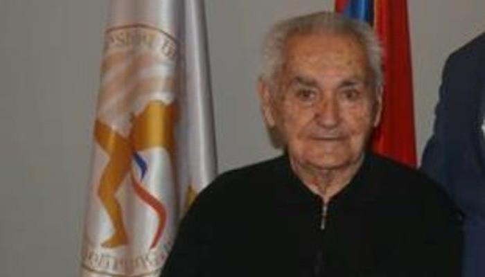 92 տարեկանում կյանքից հեռացել է ԽՍՀՄ վաստակավոր մարզիչ Արսեն Գալոյանը