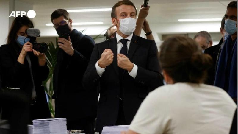 Մակրոնն այցելել է «Հայաստան» համահայկական հիմնադրամի Ֆրանսիայի մասնաճյուղ` աջակցելու ԼՂ-ից տեղահանված բնակչությանն օգնելու համար կազմակերպվող դրամահավաք-հեռախոսամարաթոնին