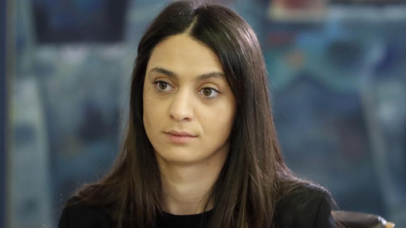 Ադրբեջանն արդեն երկու անգամ խախտել է հումանիտար հրադադարը. Փաշինյանի խոսնակը մեկնաբանել է Ադրբեջանի նախագահի՝ հրադադարի պատրաստակամության մասին հայտարարությունը. Sputnik Արմենիա
