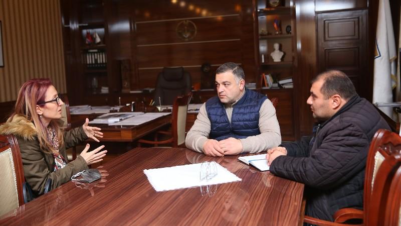 Ստեփանակերտի քաղաքապետը հանդիպել է Մանե Թանդիլյանի հետ