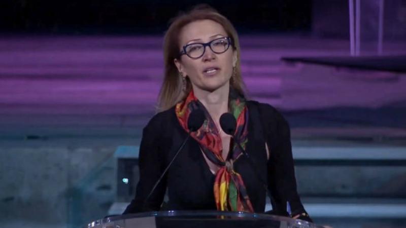 «Մեր ժամանակների հերոսը» մրցանակաբաշխության ժամանակ Մանե Թանդիլյանի՝ բեմում հայտնվելն անակնկալի է բերել բոլորին․ «Ժողովուրդ»
