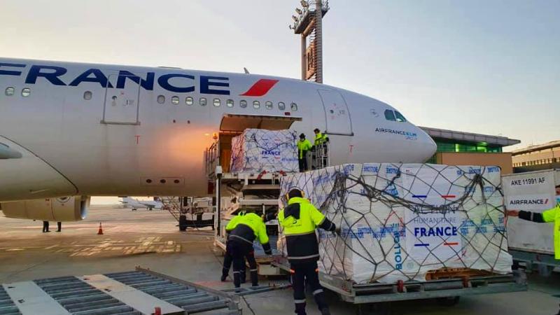 Երևան ժամանեց Ֆրանսիայի կառավարության մարդասիրական օգնությունը տեղափոխող առաջին ինքնաթիռը (լուսանկարներ)