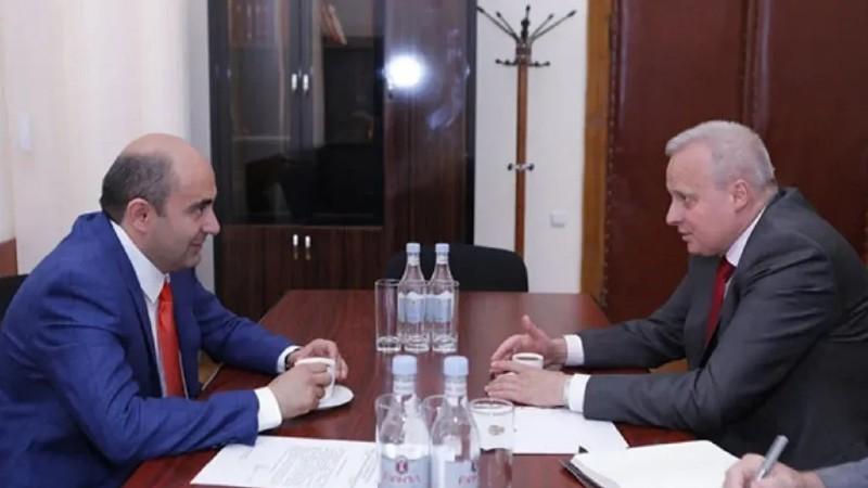 ԼՀԿ ղեկավար Էդմոն Մարուքյանը հանդիպել է ՌԴ դեսպան Սերգեյ Կոպիրկինին